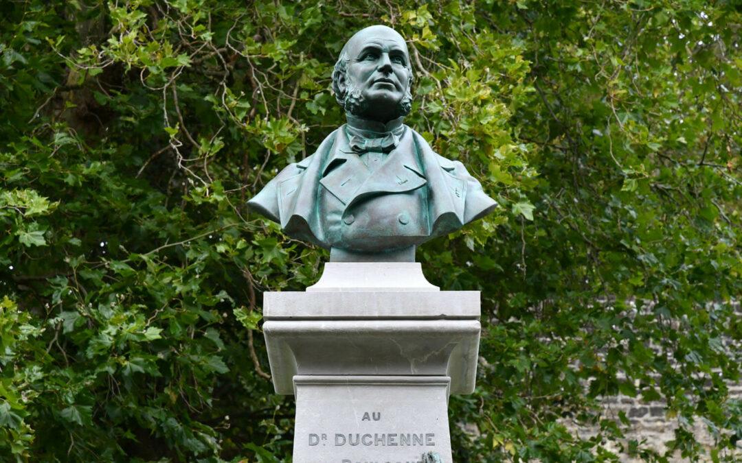 Le buste de Duchenne a retrouvé son piédestal
